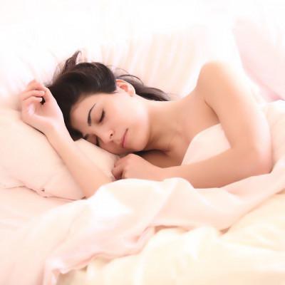 Zašto je dobro spavati bez odjeće