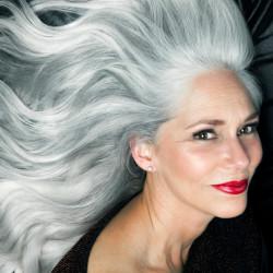 Sve što trebate znati o njezi sijede kose