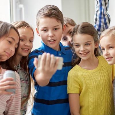 Mladi u virtualnom svijetu: Rizici odrastanja u džungli ekrana